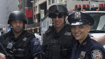 https://commons.wikimedia.org/wiki/File:New_York_Police_Department_officers.jpg