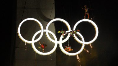 https://commons.wikimedia.org/wiki/File:Presentation_of_the_Olympic_Rings_at_the_Opening_Ceremony_for_the_2018_Summer_Youth_Olympics.jpg
