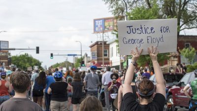 https://commons.wikimedia.org/wiki/File:Protest_against_police_violence_-_Justice_for_George_Floyd,_May_26,_2020_25.jpg